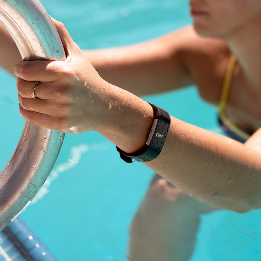 fitbit charge 2 waterproof